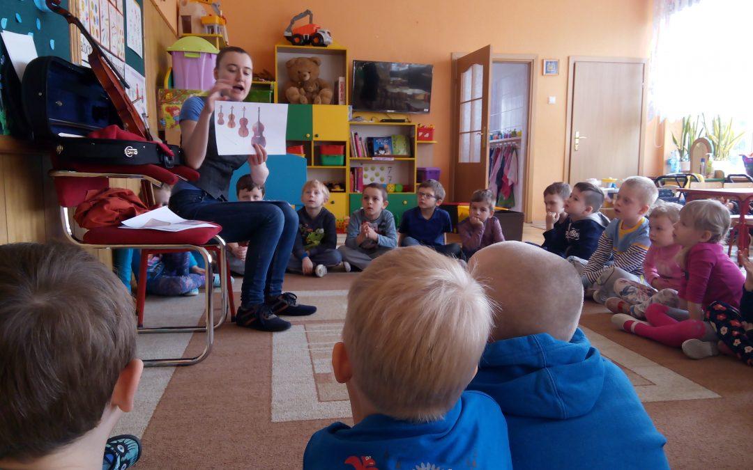 Działania edukacyjno-muzyczne Hani w przedszkolu